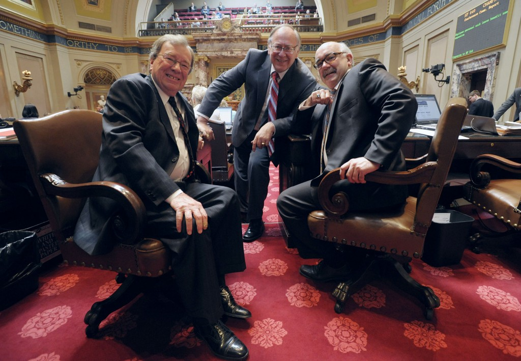 Senator Metzen, Senator Senjem, and Senator Tomassoni during a floor session.